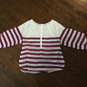 Ann Taylor Loft Shirt/Top. Size Small.